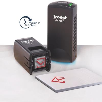 Trodat Dryteq 4921 Stempelset mit Stempel, UV-Härtungsgerät, 3x UV-Ersatzkissen und individueller Textplatte